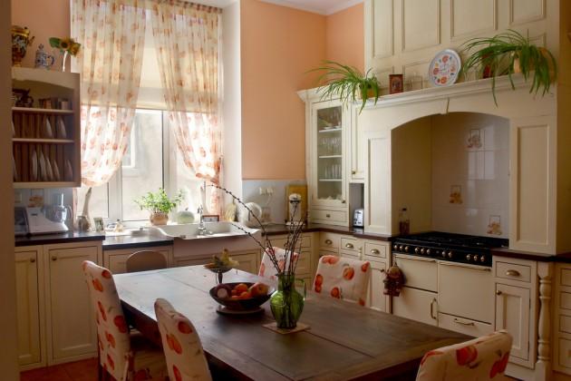 Уютная маленькая кухня фото 5