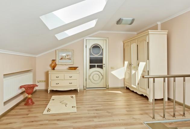 art deco style loft room interior in light beige colors Фото со